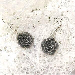 Jewelry - BOGO💫Soft Gray Cabochon Flowers